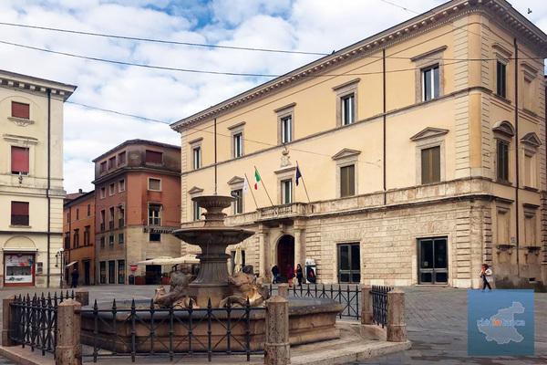 piazza-del-comune-rieti